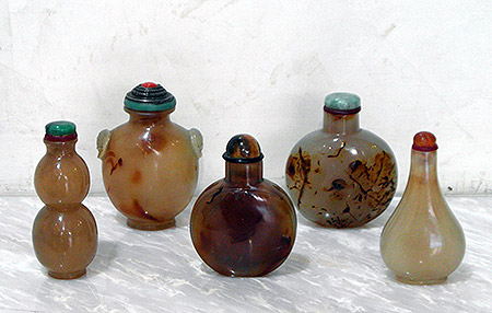 agate snuff bottles - Agate snuff bottles - XIXth century - various